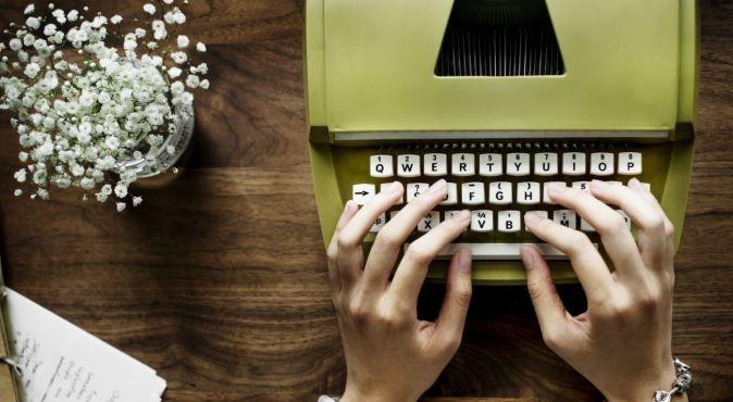 Freelancer menjadi penulis