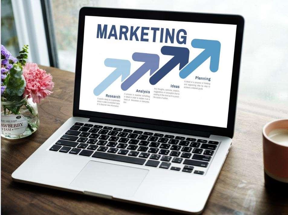 Freelance sosial media marketing