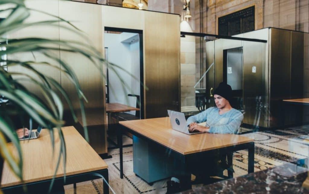 Cara Efektif Bekerja di Rumah Tanpa Harus Ke Kantor