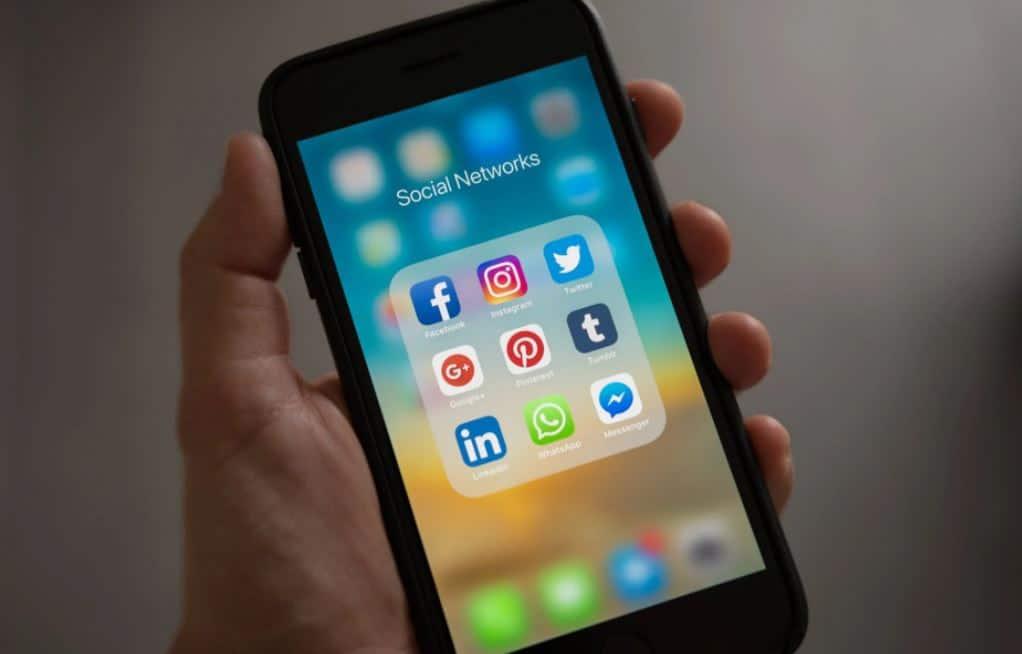 Batasi Penggunaan Sosial Media