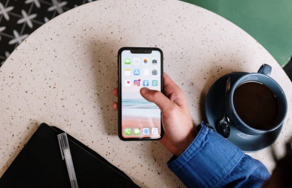 matikan smartphone saat libur kantor